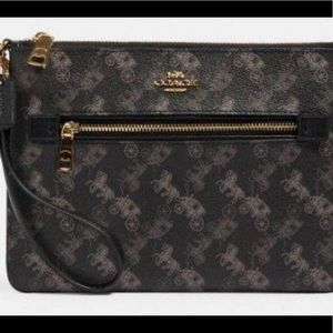 Coach Gallery Pouch with Horse and Carriage Print